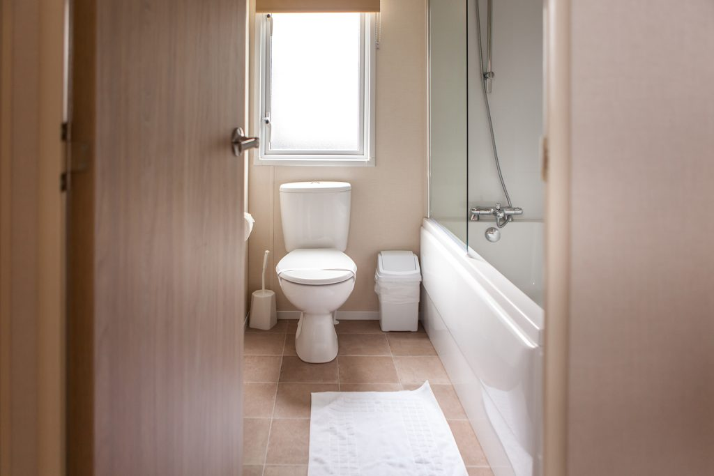 holiday home bathroom at ulwell holiday park