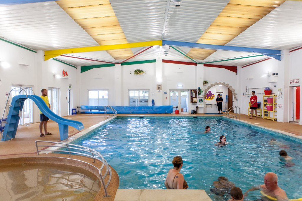 swimming pool at ulwell cottage caravan park